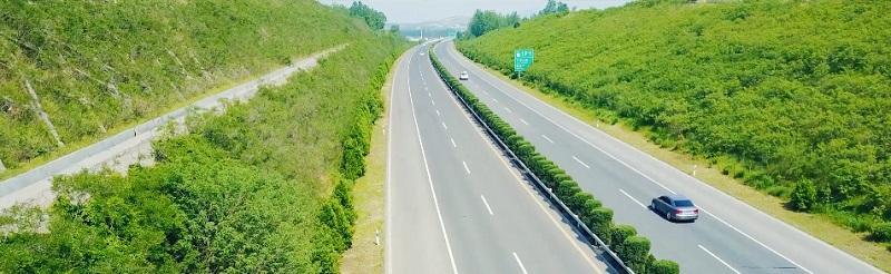 高速公路边坡绿化