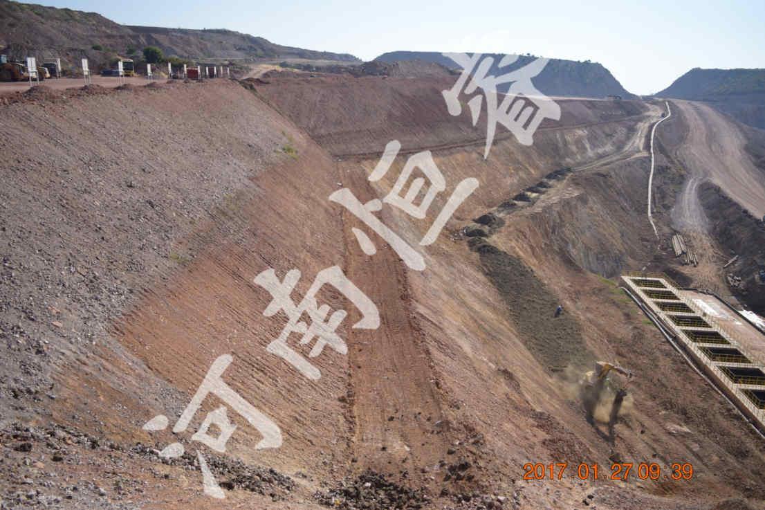 高陡强风化岩质工程边坡示例